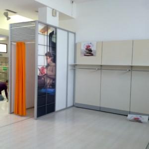 CAMERINO ALLUMINIO Struttura camerino con telaio in alluminio. Diversi moduli disponibili presso il centro.
