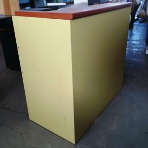BANCO RECEPTION colore GIALLO MISURA 120 X 120 X 60 CM