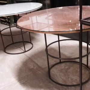 TAVOLI ESPOSITIVI struttura in ferro e ripiani in legno e vetro diversi formati disponibili tondi o quadrati a partire da € 100