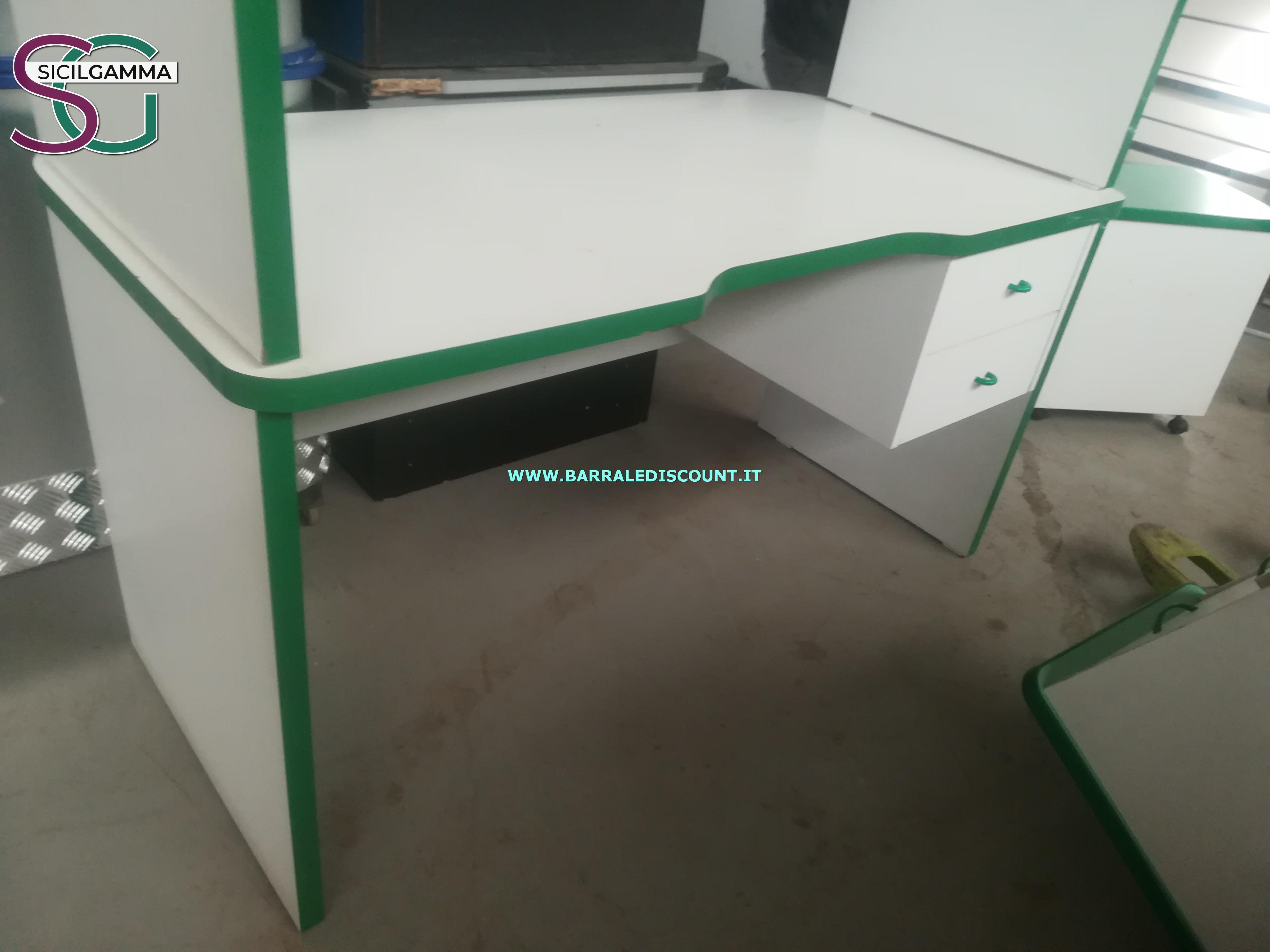Scrivania bianca e verde 6136 barrale discount for Stock arredo ufficio