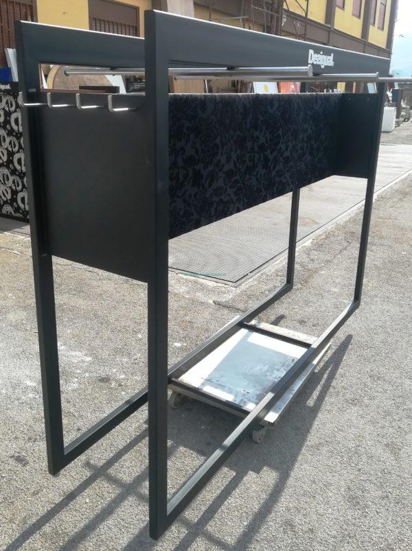 STENDER NERO IN FERRO CON GANCI 60 X 200 X 160H CM € 200,00